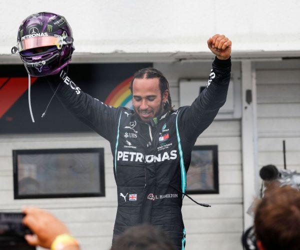 Hamilton se lleva el Gran Premio de Hungría y Sainz finaliza décimo